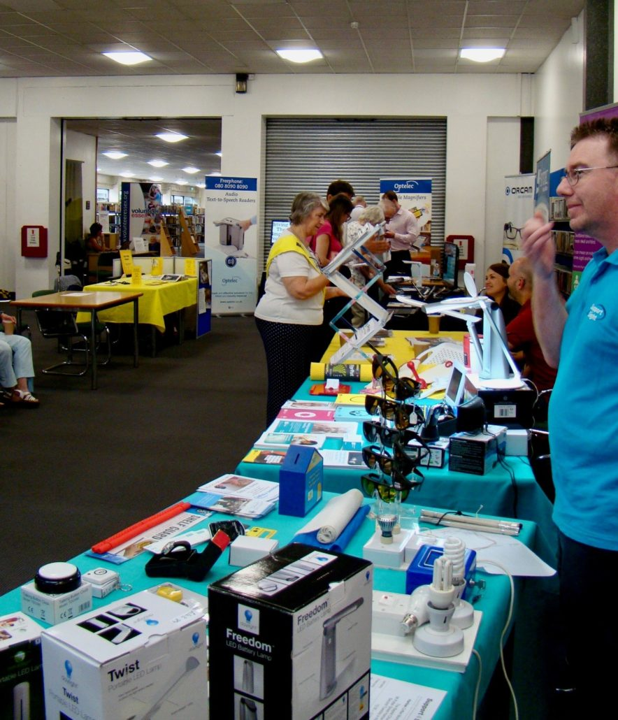 Exhibition of products with a support for sight desk